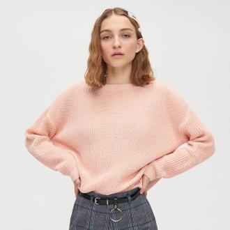 Cropp - Sweter z dekoltem w serek - Różowy