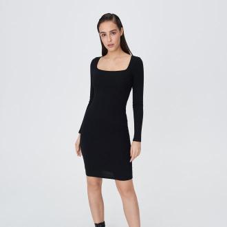 Sinsay - Mini sukienka z kwadratowym dekoltem - Czarny