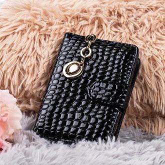 Czarny mały portfel damski ze zwierzęcym tłoczeniem - Portfel