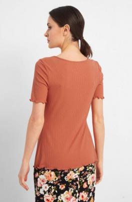 Prążkowana koszulka z falbanką
