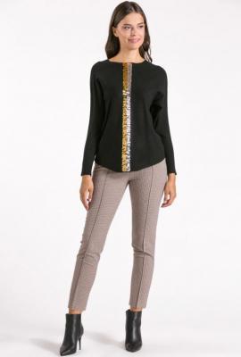 Sweter z cekinową aplikacja - Zdjęcie 1