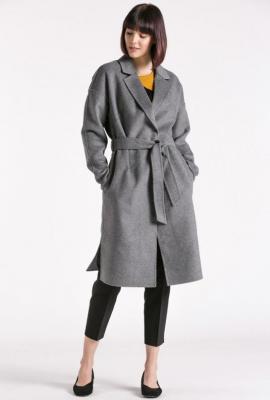 Wełniany płaszcz z paskiem - Zdjęcie 1