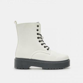 Sinsay - Wysokie botki - Biały