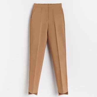 Reserved - Spodnie z kantem - Beżowy