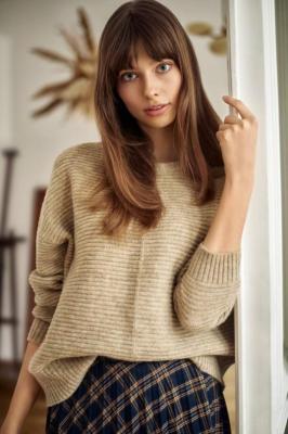 Sweter o luźnym kroju z dzianiny strukturalnej - Zdjęcie 1