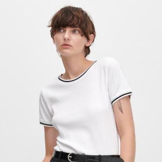 Reserved - Prążkowany T-shirt ze ściągaczami - Biały