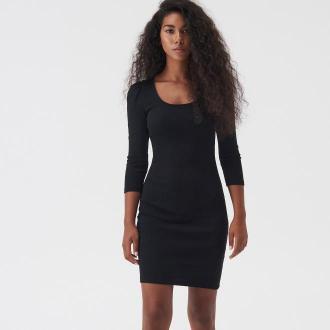 Sinsay - Dopasowana sukienka z bufkami - Czarny