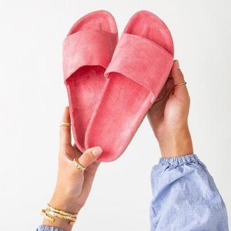 Ciemnoróżowe damskie klapki Ratia - Obuwie
