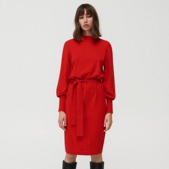 Mohito - Dzianinowa sukienka z wiązaniem w talii - Czerwony