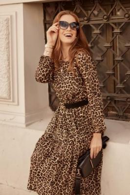 Jesienna sukienka oversize w panterkę beżowa 30771 - Zdjęcie 1