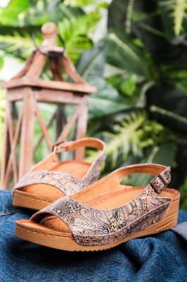 Brązowe sandały Maciejka skórzane na koturnie wzorek 01974-47/00-5 - Zdjęcie 1